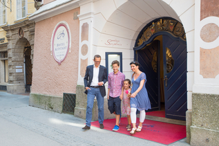 Family infrot of a Hotel in Salzburg | © Tourismus Salzburg