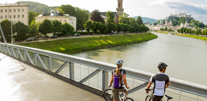 Bicycle at Müllnersteg in Salzburg | © SalzburgerLand Tourismus