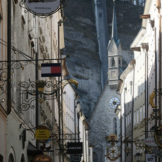 Salzburg's Getreidegasse and its through-houses  | © Veronika Zangl MMPR