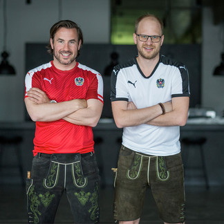 Georg Klampfer and Christian Eibl as the founding fathers of the LederhosenThursday | © LederhosenDonnerstag