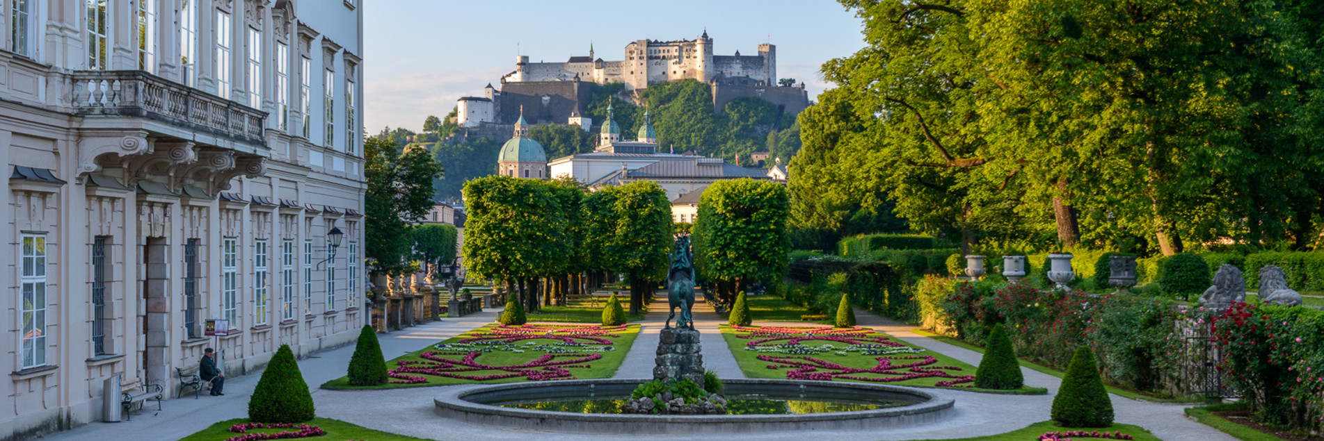 Mirabell Gardends with view to the old town of Salzburg  | © Tourismus Salzburg GmbH