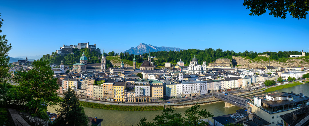 Panorama of Salzburg during summer season with a view to the Old Town of Salzburg and Salzach | © Tourismus Salzburg, Foto: Breitegger Günter