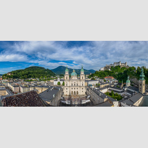 View down to the Jedermann stage 2015 at Domplatz in Salzburg | © Tourismus Salzburg, Foto: Breitegger Günter