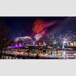 New Year's Eve firework in the old city of Salzburg | © Tourismus Salzburg, Foto: Breitegger Günter