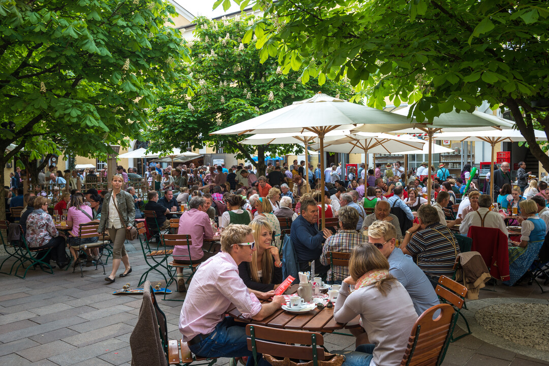 Beer garden in salzburg for What is a beer garden