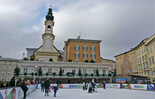 Ice skating on Mozart square in Salzburg | © Tourismus Salzburg