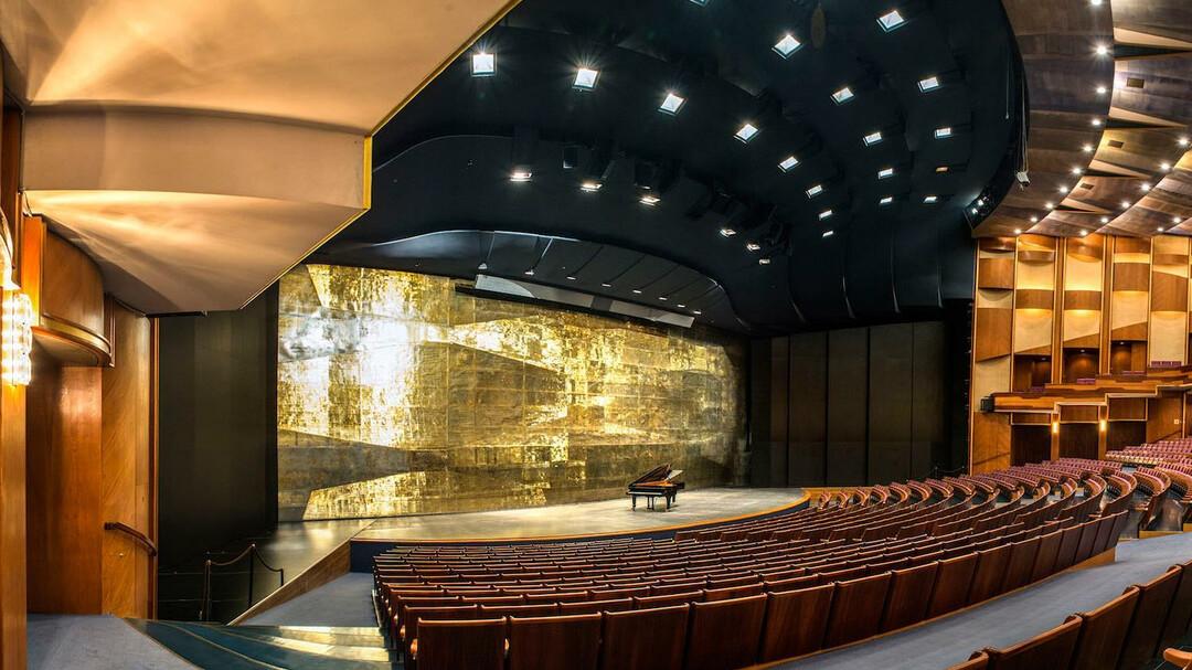 Eingang Saal Großes Festspielhaus | © Luigi Caputo