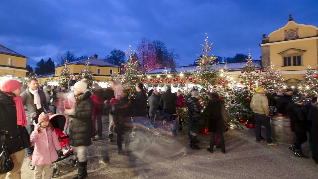 Schloss Hellbrunn Weihnachtsmarkt.Hellbrunner Adventzauber Advent In Salzburg Salzburg Info