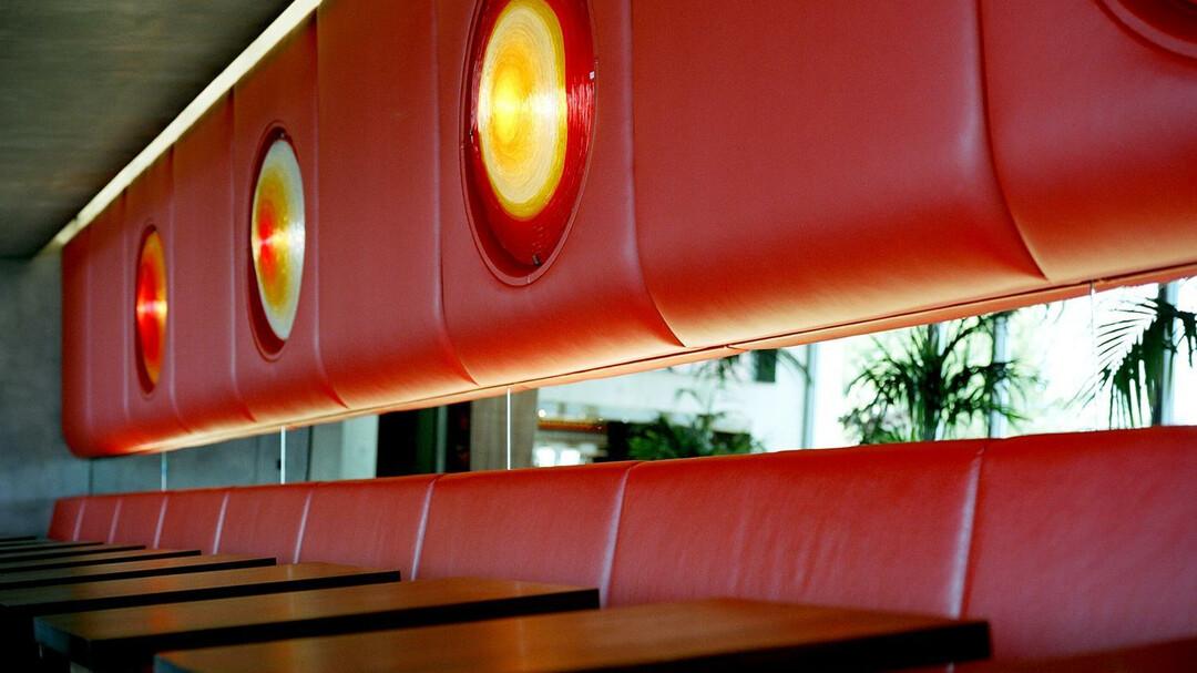 m32 essen in salzburg. Black Bedroom Furniture Sets. Home Design Ideas