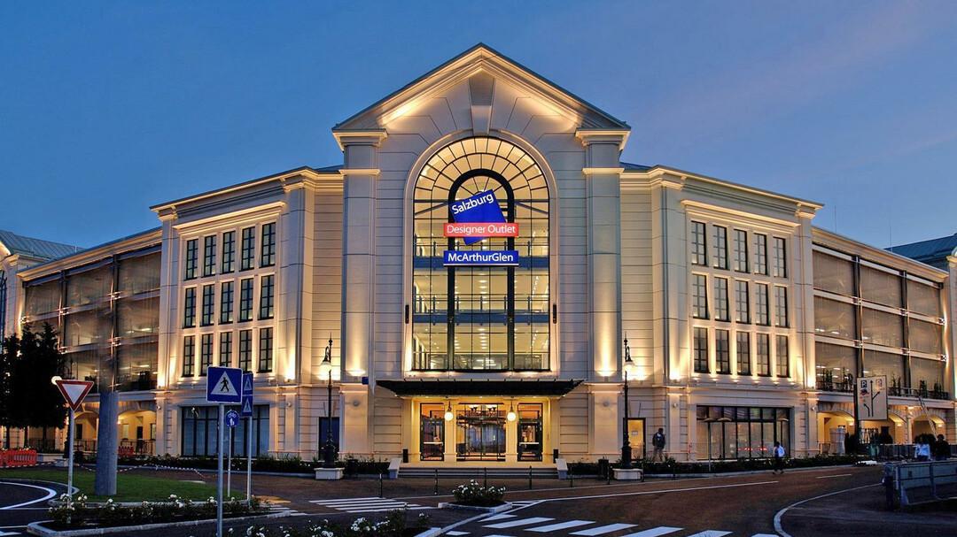 P r salzburg outlet center arrival by car for Designer hotel salzburg