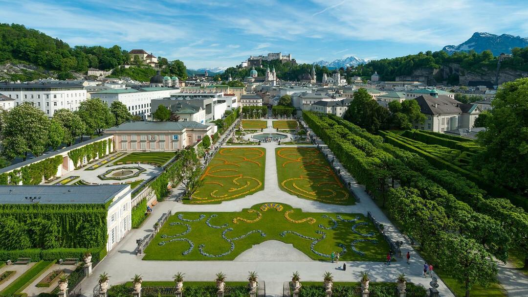 Schloss Mirabell & Mirabell Gardens : Palaces in Salzburg