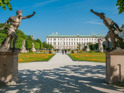 Entrance to the Mirabellgarden in the direction to Mirabell castle | © Tourismus Salzburg