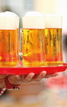 Beer with foam freshly served | © Stiegl-Brauwelt
