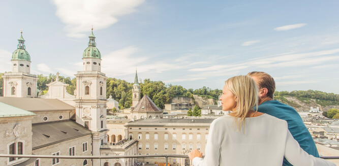 View at Salzburg Cathedral and Residenz Palace from Glockenspiel | © SalzburgerLand Tourismus